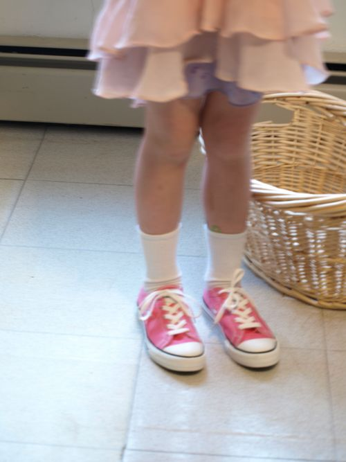 Shoesandcowsinyard 006